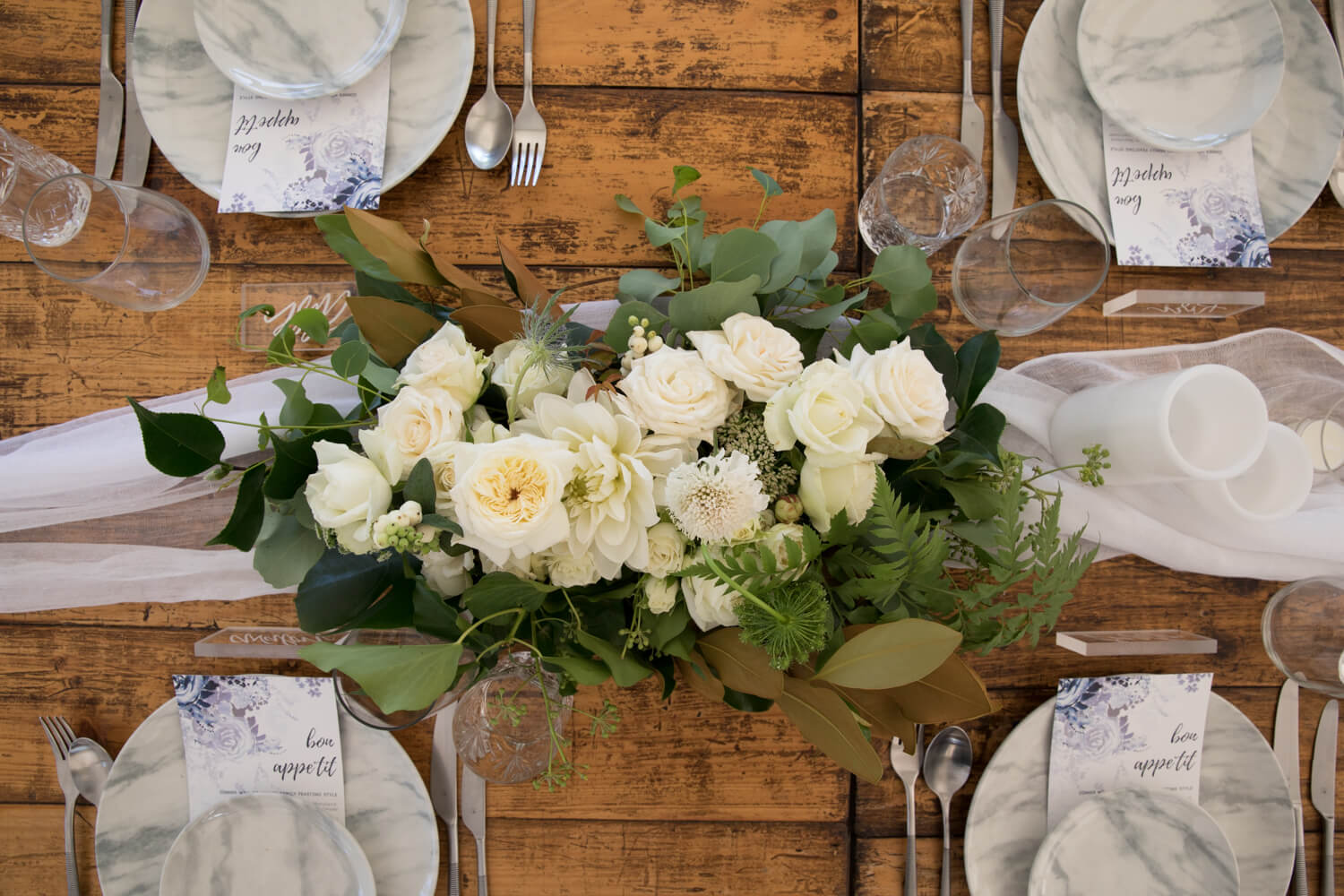 table flowers at wallalong house
