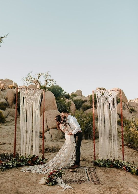 pillar wedding arch design